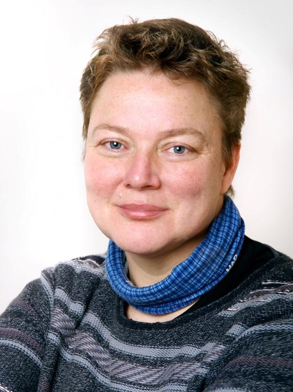 Ulla-Konrath-Hebamme-Geburtsvorbereitung-Linden-Portrait